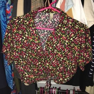 AMERICAN APPAREL FLORAL PRINT MID LENGTH BLOUSE